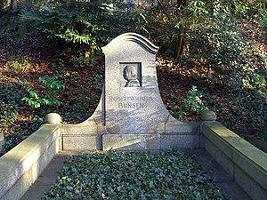 Robert Bunsen - Bunsen's grave in Heidelberg's Bergfriedhof