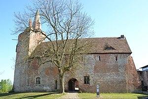 Klempenow Castle - Image: Burg Klempenow