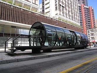 Jaime Lerner - Tube-shaped bus shelter in Curitiba, created during the Lerner era
