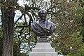 Buste Garnier Jardin Garnier Provins 4.jpg