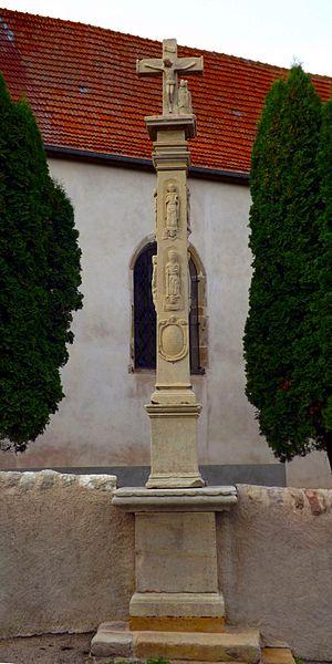 Croix de Saint-Boingtstatue