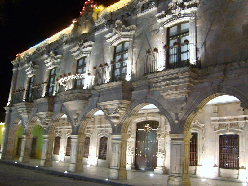 File:Casa de visitas en Dolores Hidalgo.JPG