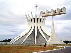 La catedral de Brasilia, una ciudad con diseño urbano ejemplar