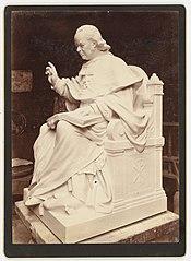 Photographie du monument à la mémoire de l'évêque de Saint-Brieuc David