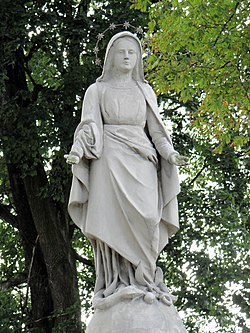 Cemetery in Wisznice (closed) – Statue of Virgin Mary - 01.jpg