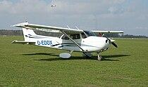 Cessna 172 Skyhawk (D-EDDX).jpg