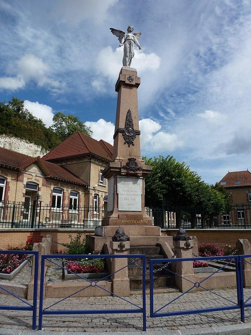 Château-Porcien (Ardennes) monument aux morts.JPG