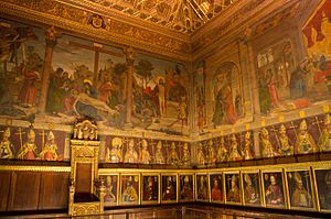 Chapter (religion) - The chapter house of the Cathedral of Toledo.