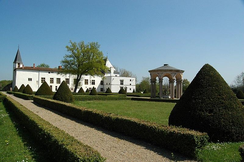 File:Chateau Bastie d'Urfé Jardins.jpg