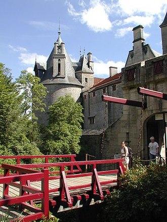 La Rochepot - Image: Chateau de La Rochepot Bourgogne France
