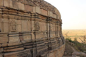 Morena district - Image: Chausath Yogini Temple, side view