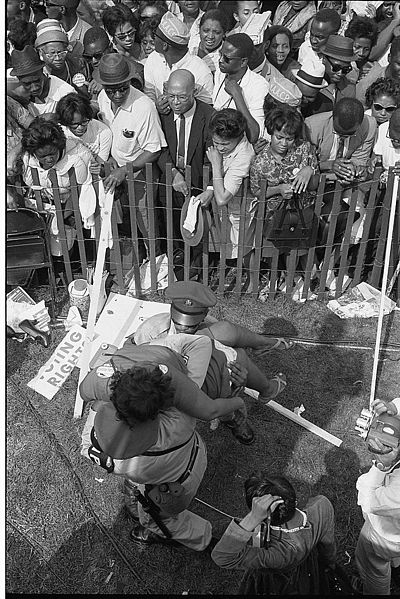 File:Civil rights march on Washington, D.C. fence.jpg
