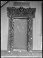 Closeup view of the doorway of Te Tikanga a Tawhiao meeting house at Ngatira, South Waikato ATLIB 291196.png