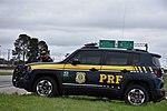 Com radares portáteis, equipe da PRF fiscaliza velocidade na BR-277 (34094420571).jpg