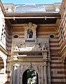 Cour Henri IV du Capitole de Toulouse 01.jpg