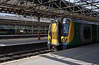 Crewe railway station MMB 07 350112 86604 90048.jpg