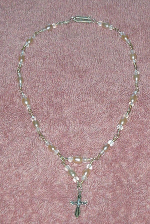 Necklace in sterling silver, freshwater pearls...