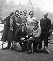 Csoportkép, a Műjégpálya melett, 1931 Budapest. - Fortepan 19537.jpg