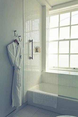 Culver Hotel - Image: Culver Bath Seiichi Niitsuma
