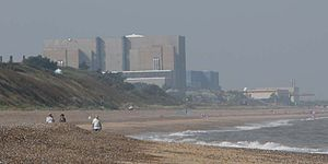 Sizewell - Image: DSCN1362 view to sizewell along beach crop 800x 400