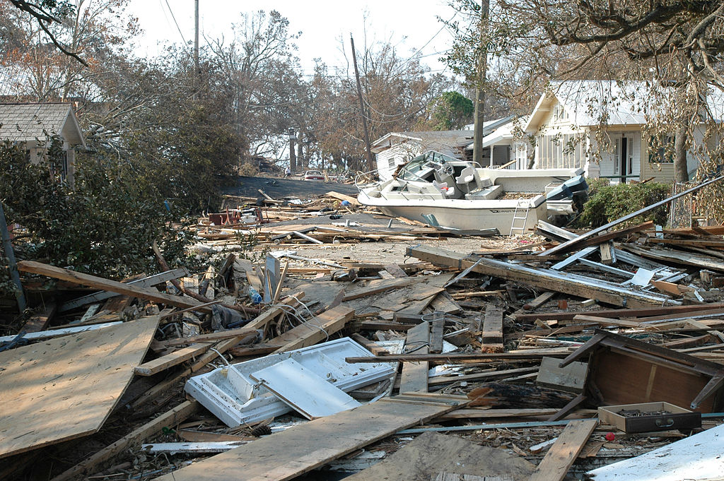 File:Damage and destruction to houses in Biloxi ...