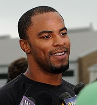 Darren Sharper in 2011.jpg