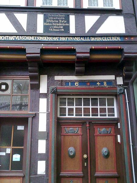 File:Das Lotzehaus trägt die Jahreszahl 1648..jpg