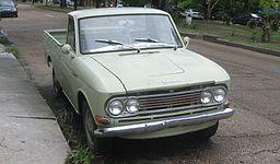 256px-Datsun1300PickupEsplanadeFront.jpg