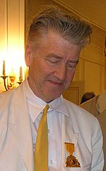 David Lynch firmando copie del suo libro