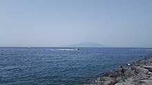 Daytime image of the bay of Sorrento.jpg