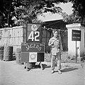 De toegang tot het kamp van het 1e Bataljon Jagers in Batavia, Bestanddeelnr 255-8236.jpg