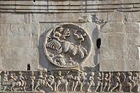 Decorations on Arch of Constantine.JPG