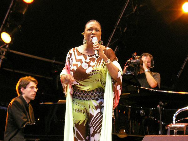 Photo Dee Dee Bridgewater via Wikidata