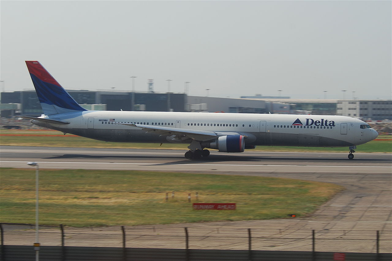 Aviation Charts For Google Earth: Delta Air Lines Boeing 767-400; N829MH@LHR;05.06.2010 576ee ,Chart