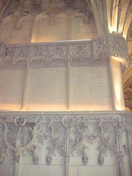 File:Dentelles intérieures chapelle St Hubert.JPG