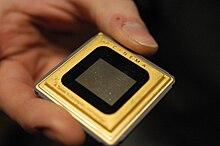 Un dispositivo elettronico del tipo Digital Light Processing utilizzato oggi in un moderno proiettore digitale