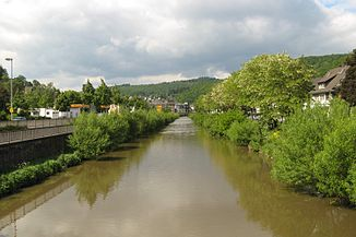 The Dill in Dillenburg, looking upstream, in the background the Untertor