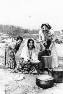 Rom abruzzesi wikipedia - Bambine che cucinano ...