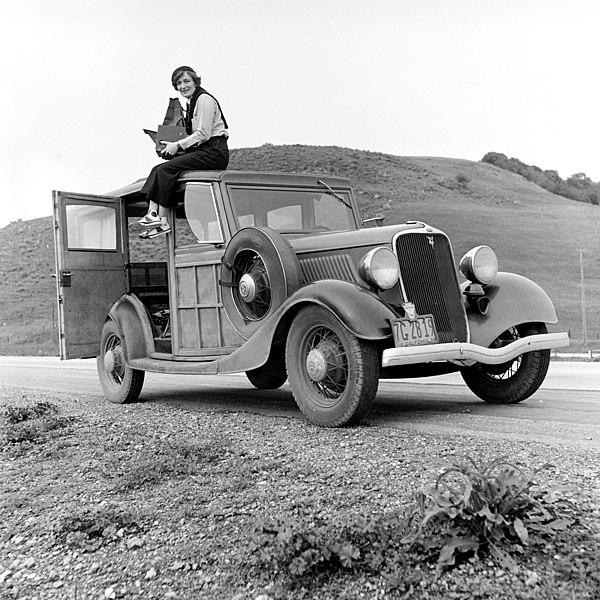 File:Dorothea Lange 1936.jpg