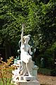 Doullens statue jardin Musée Lombart.jpg