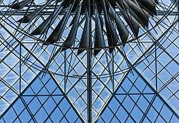 Dynamic Mobile Steel Sculpture, Victoria, British Columbia, Canada 02.jpg