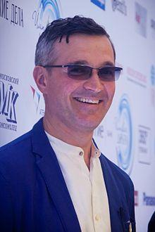 Beroev Yegor probleme de vedere. 8 simptome care iti arata ca ai nevoie de ochelari de vedere