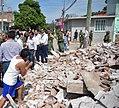 Enrique Peña Nieto visita una zona afectada por el sismo del 7 de septiembre1.jpg