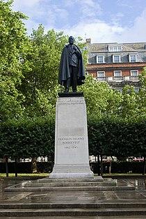 FDR statue, Grosvenor Square.jpg