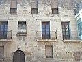 Façana a la Torre del Comte - panoramio.jpg