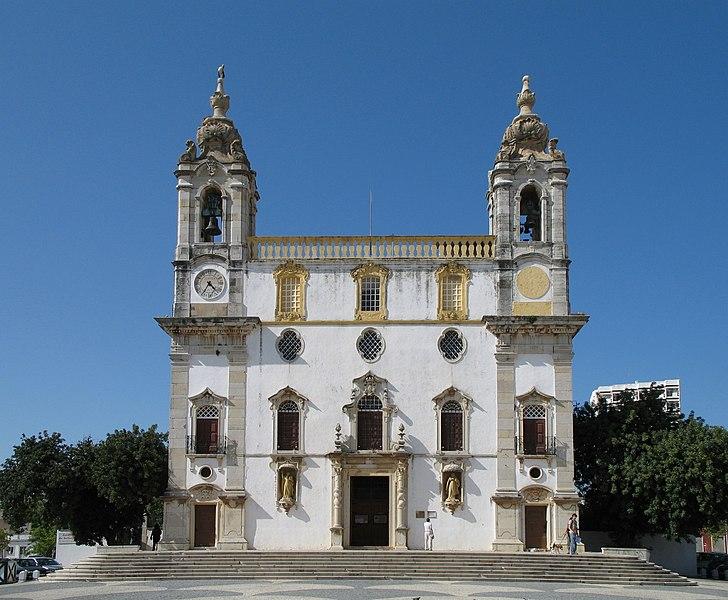 Image:Faro Igreja do Carmo.jpg