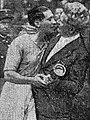 Finale de la Coupe du monde de football 1938, Giuseppe Meazza reçoit l'accolade de Vittorio Pozzo.jpg