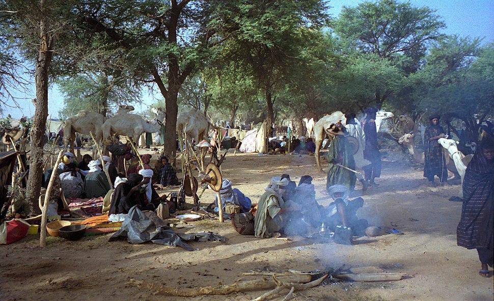 Flickr - Dan Lundberg - 1997 ^276-27A Wodaabe camp