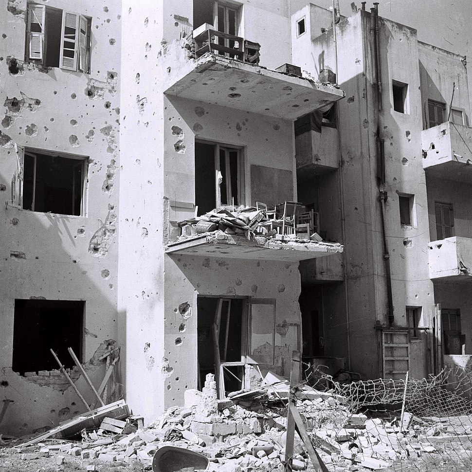 Flickr - Government Press Office (GPO) - Apartment houses damaged during the Egyptian air attack on Tel Aviv