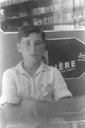 Shimon Peres - A picture of 13-year-old Shimon Peres taken in 1936.